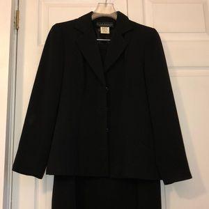 Harve Benard Black Long Skirt Suit